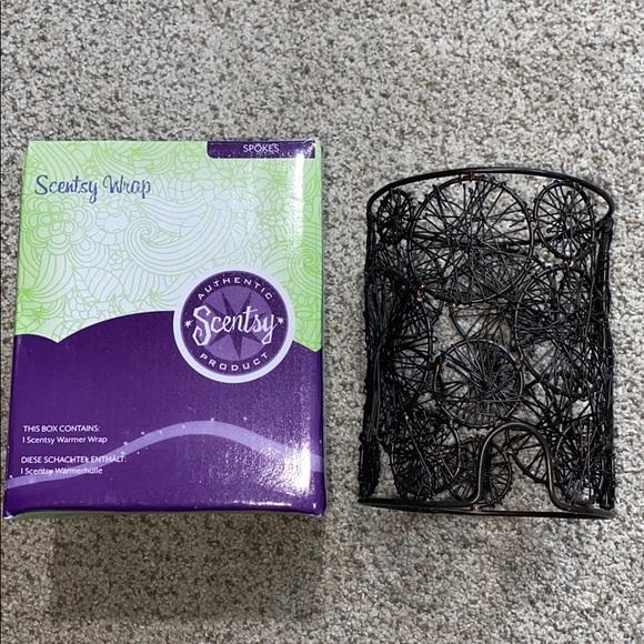 Scentsy Spokes Silhouette Warmer Wrap